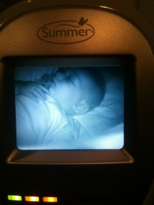 Amazing day and night baby monitor
