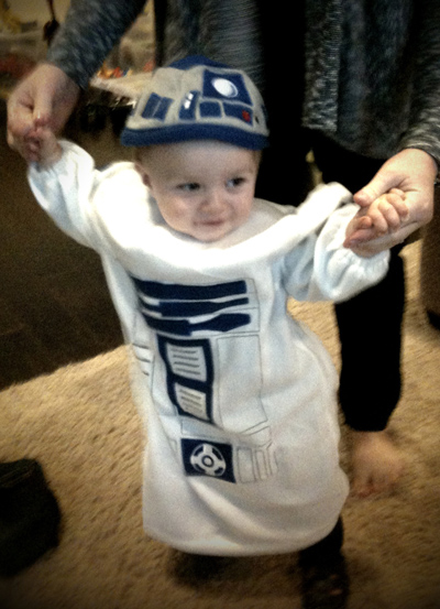 R2D2 costume for toddlers is AWESOME